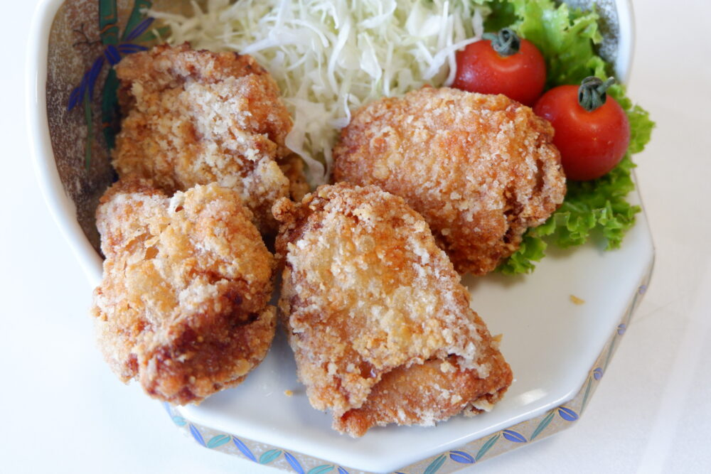 「海鮮辛口唐揚げ」は豆板醬を使ったマイルドな辛さの唐揚げ
