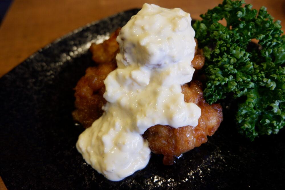 「宮崎チキン南蛮」は通常サイズの唐揚げを使用しています